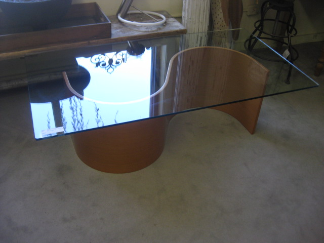 Oasis Cocktail Table