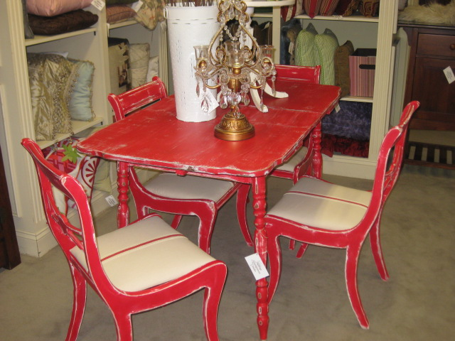 Vintage Painted Table w Chairs
